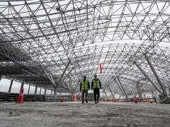 贵阳龙洞堡国际机场3号航站楼主体钢结构工程封顶