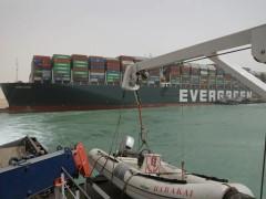 危机远未结束!一艘巨轮带来的全球粮食贸易混乱恐将持续数月。。。